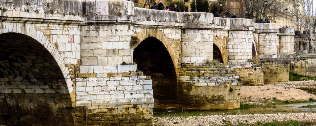 Puente Romano de León